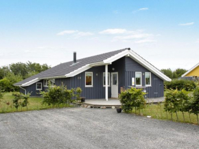 Three-Bedroom Holiday home in Assens 1